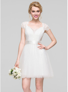 A-Line/Princess Sweetheart Short/Mini Tulle Homecoming Dress With Ruffle