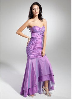 Trumpet/Mermaid Sweetheart Asymmetrical Taffeta Prom Dress With Ruffle Beading