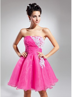 A-Line/Princess Strapless Short/Mini Organza Homecoming Dress With Ruffle Beading Appliques Lace Sequins
