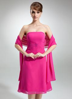 A-formet/Prinsesse Stroppløs Knelengde Chiffong Brudepikekjole med Frynse Perlebesydd