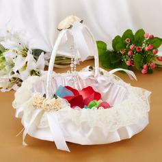 Elegant Blumenkorb in Satin & Spitze mit Bogen