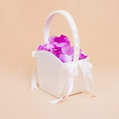 Elegant Blomkorg med Båge/Fauxen Pärla